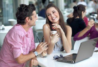 Ученые рассказали, сколько минут мужчины могут серьезно слушать женщину