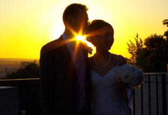 Ученые: Женщины, сохранившие невинность до замужества, более счастливы в браке