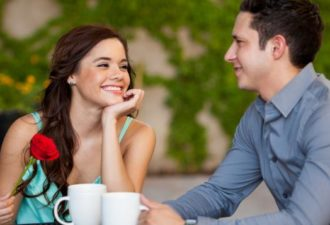 12 интересных объяснений, почему вас привлекают неправильные люди