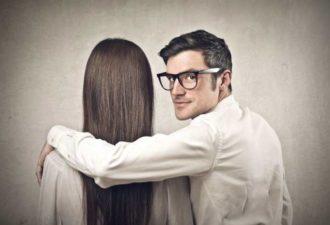 10 признаков, что он делает из вас дуру (и вам нужно расстаться с ним)