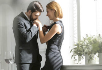 9 способов, как он пытается сказать тебе, что влюблен