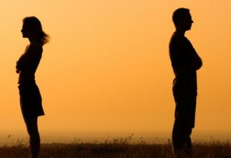 9 способов как легче пережить развод или расставание