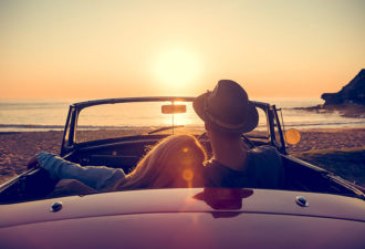 10 признаков того, что мужчина готов отдать вам свое сердце