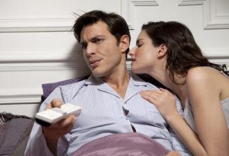 11 признаков того, что ваш мужчина устал от вас