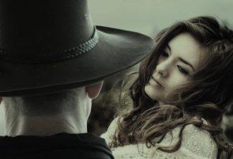 10 глупых ошибок мужчины, толкающих женщину в чужие руки