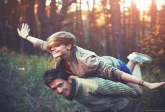 10 вещей, которые делают влюбленные мужчины