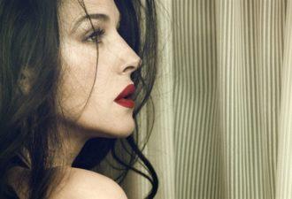 8 признаков, отличающих сексуальную женщину от всех остальных