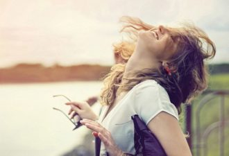 Счастливая женщина. 10 правил, которые помогут влюбиться в себя заново