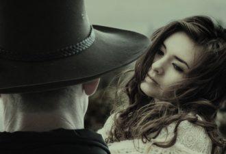 8 советов, основанных на психологии, которые помогут влюбить в себя мужчину
