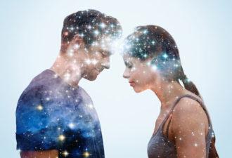 5 телепатических признаков, что он думает о тебе