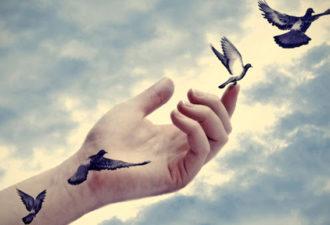 21 признак, который указывает на то, что вы должны отпустить прошлое и двигаться дальше