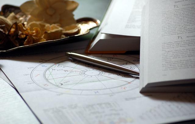 Как простому человеку стать астрологом?