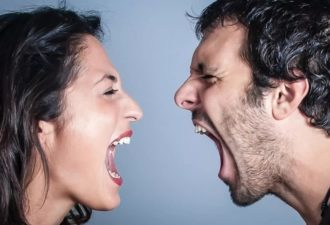 «Я не злюсь» и еще 9 фраз, говорящих о скрытой агрессии