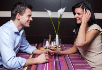 11 психологических хитростей, чтобы понравиться мужчине больше