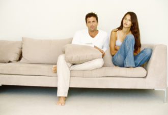 4 неоспоримых признака, что ваш партнер изменяет вам