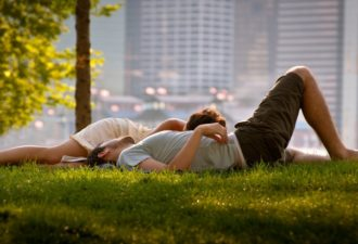 15 жестких цитат о любви и отношениях