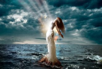 Сделай ярче свой свет и знай, что это их боль, а не твоя
