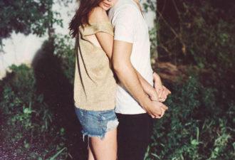 11 неромантических признаков, что он безумно в тебя влюблен
