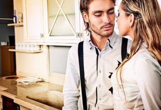 Выбирая себе жену, мужчина больше всего обращает внимание на эти 10 вещей