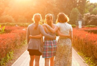 Нумерология: 3 этапа в жизни женщины