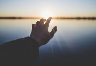 Каждый раз когда вы теряете надежду, помните, Бог рядом!