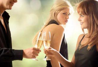 У моего мужа была любовница. 3 женщины делятся, как они справились с неверностью