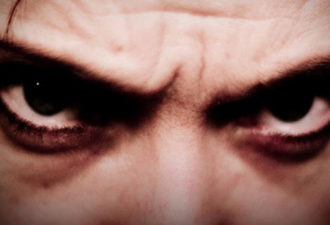 4 признака, что перед вами насильник