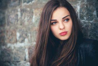 Популярные стереотипы о женщинах, в которые стыдно верить